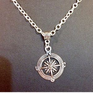 Jewelry - Compass silver necklace